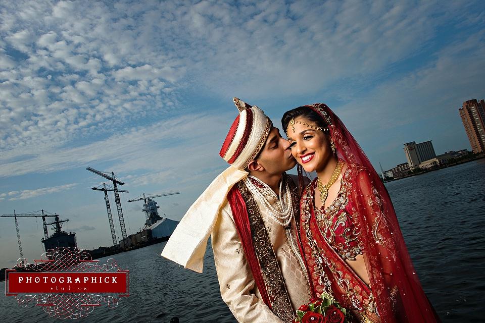 Norfolk Virginia Waterside Wedding Picture